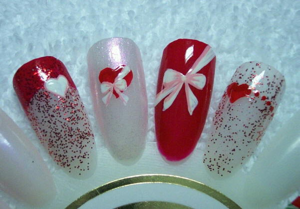 These freehand hearts and bows designs are perfect for Valentine's Day.