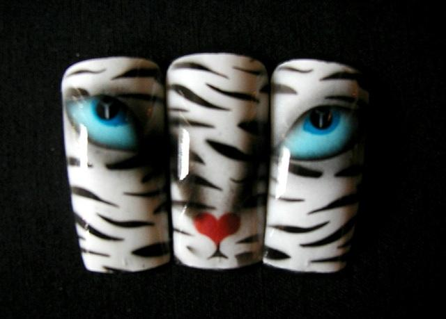 Magic Cat Airbrush Nail Design