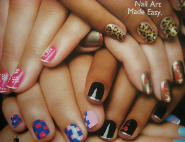 The Amusing Cool nail polish design for short nail Image