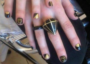 Volcom Nail Art Design for People Who like Fashion