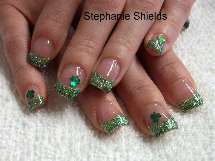 Green Nail Art Design for Saint Patrick's Day