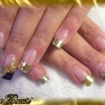 Gold Bling Bling Nail Art