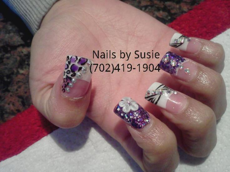 Easy nail design with blue flower