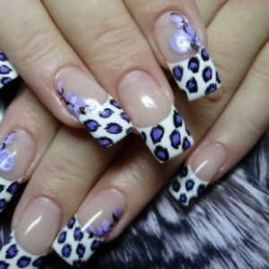 Hip Dotted Nail Art Design