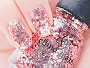 Cute Glitter Polish for Quick Beauty