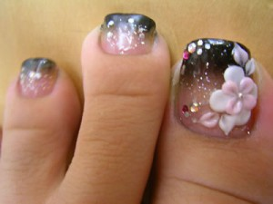 Beautiful Designs for Toes 2009