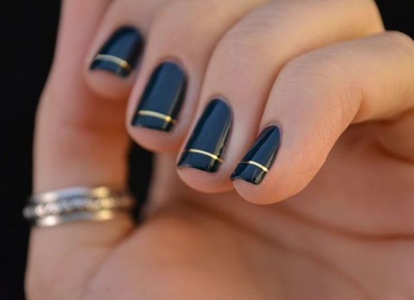 Simple Black Nail Art With Gold ring - Nail Art Design ...