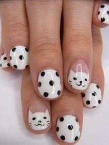 Cute Cat Face Nail Art