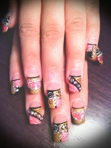 Cool Motif Design Nail Art
