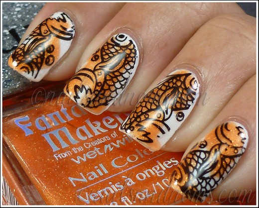 Fish Scale Pattern Nail Art