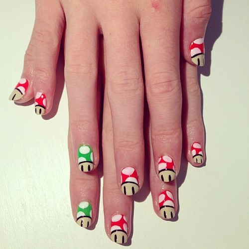 Mushroom Head Color Nail Art