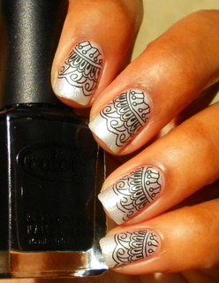 tribal-manicure-design